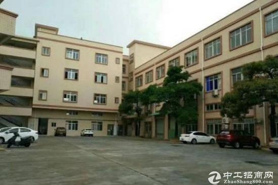 龙岗南联地铁口6500平村委独院标准厂房出租