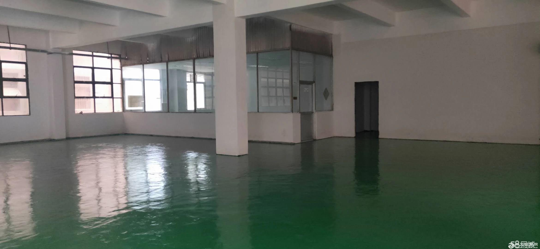 龙岗平湖军事管理区附近一楼1400平厂房急租