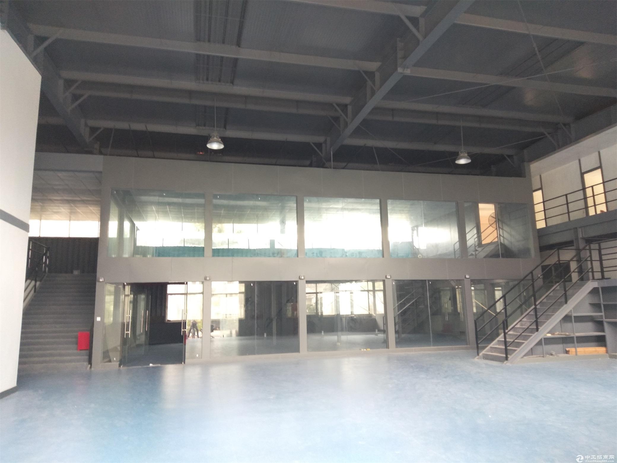 坂田新出一楼7米层高5000平米厂房出租