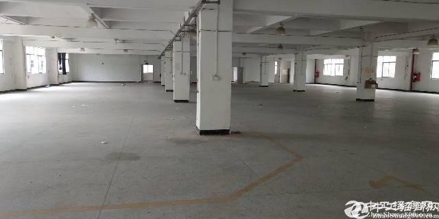 横岗原房东二楼厂房2800平米实际面积出租报价23块