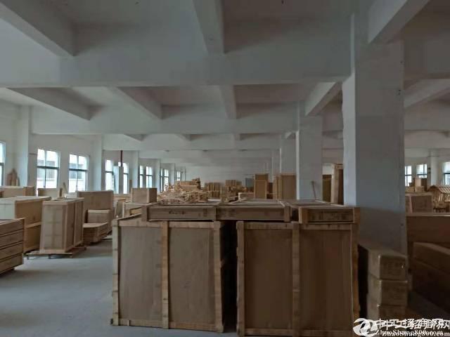龙岗中心城新出原房东独院标准厂房1-4层5200平出租