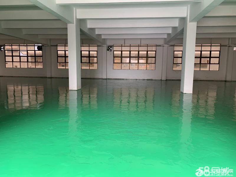 平湖靠高速独院厂房7100平米招租,可大小分租