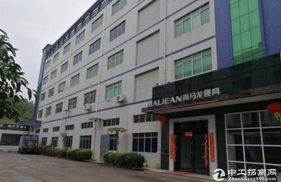 坪山同富裕工业区1楼700平2楼1500平16块空地大有电梯9
