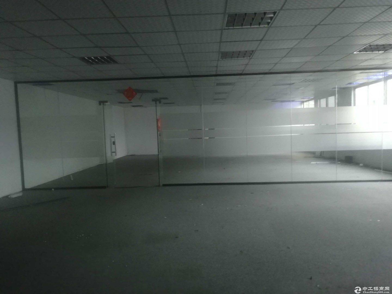 龙岗宝龙新出标准红本厂房3500平方带卸货平台