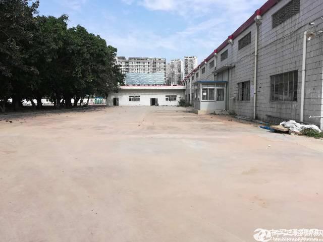 深圳独门独院钢构厂房6800平方,10米高,空地10000平方