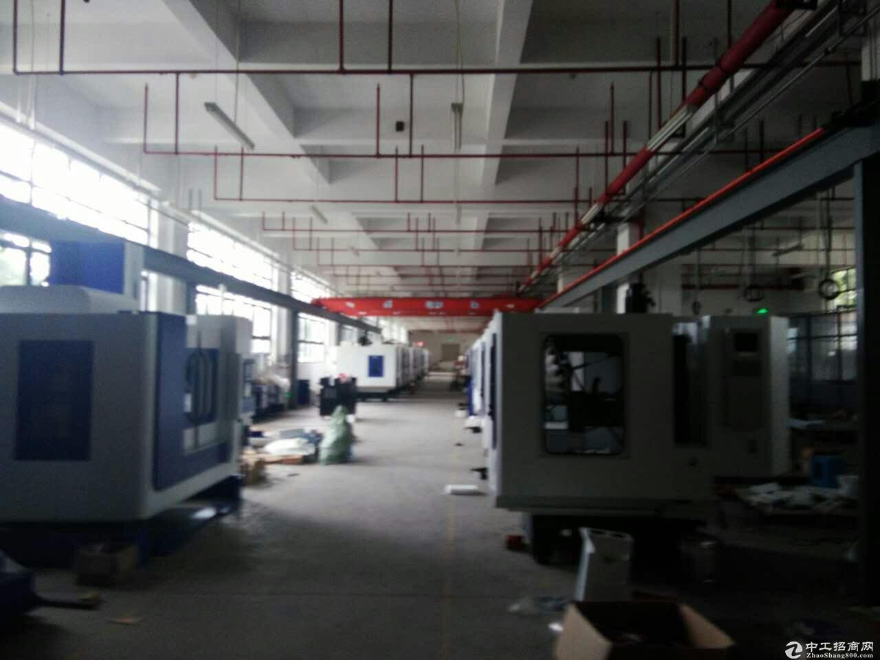 平湖鹅公岭工业区一楼标准厂房600平