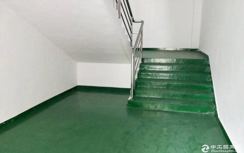 横岗六约楼上500到1800平厂房带地坪漆大小可分