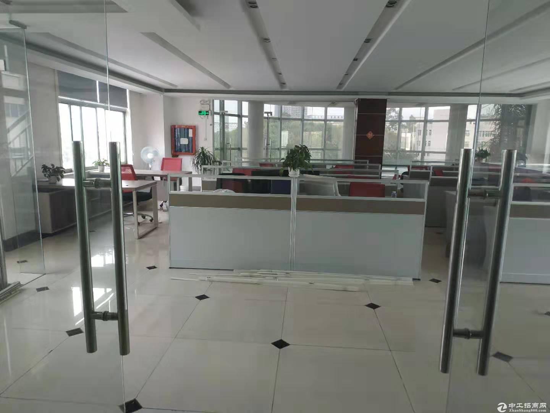 深圳平湖辅城坳工业区原房东2楼整层全新厂房出租