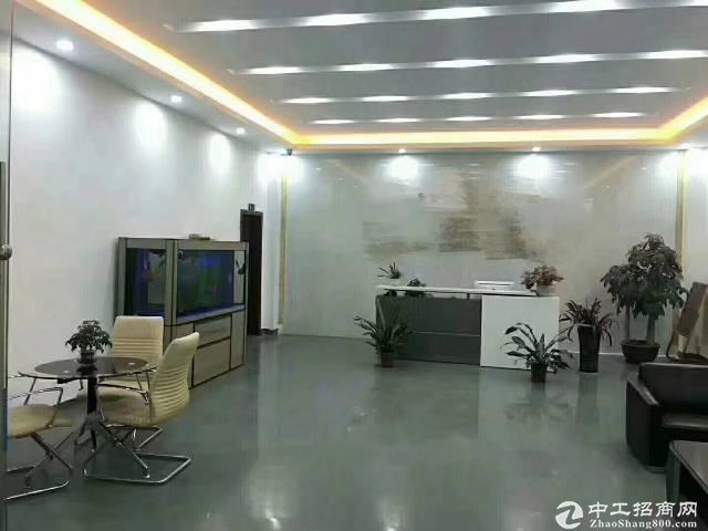 光明楼上带前台办公室500平米出租