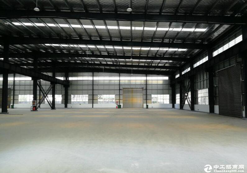 汉南大道周边厂房7500平米厂房出租   可分租
