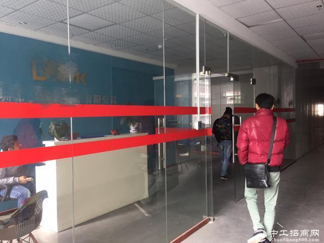 石岩镇中心区独门独院创业园1-4层5960平米厂房招租