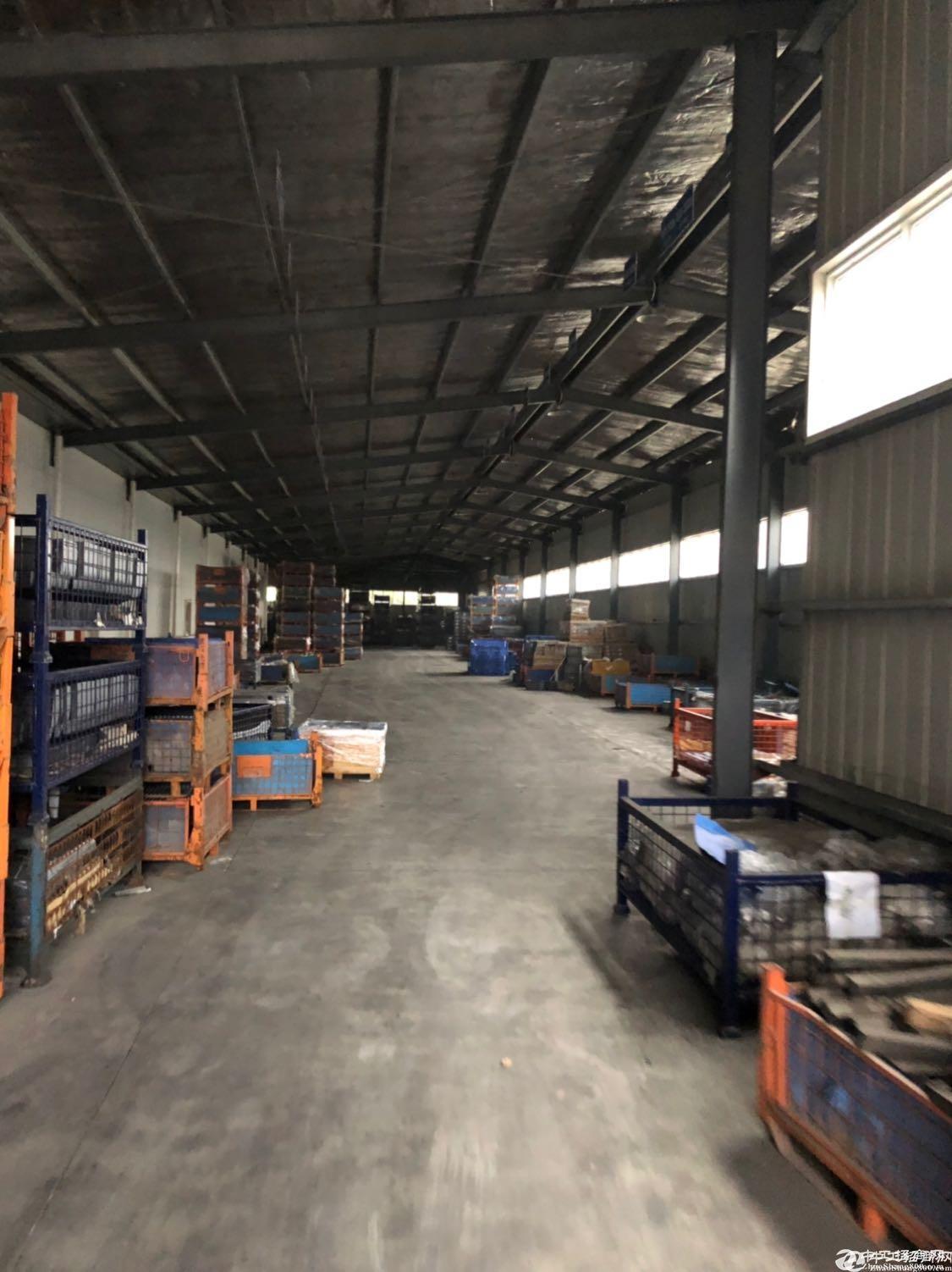 [关山厂房] 出租钢结构仓库,层高4-6米大通间仓库