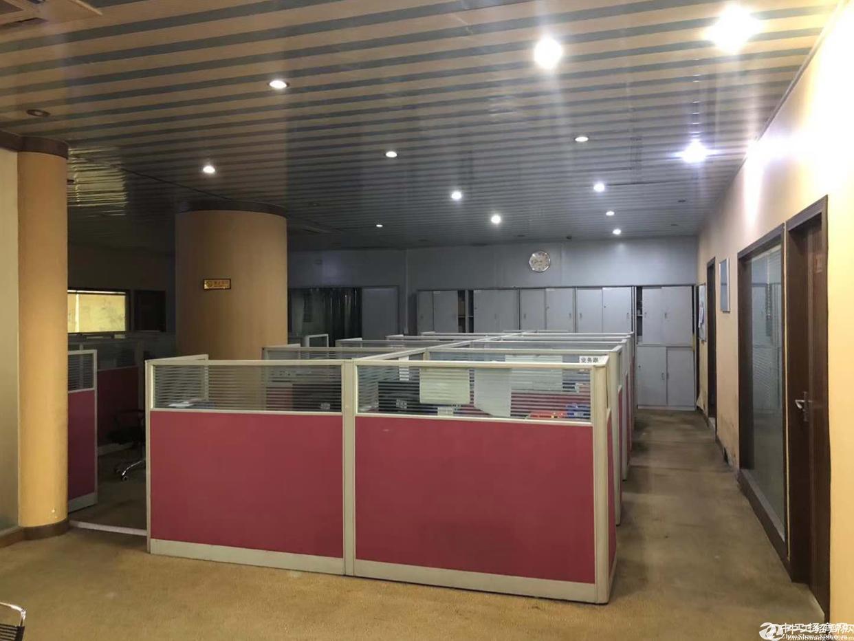 石岩汽车站附近新出净化车间1800平厂房