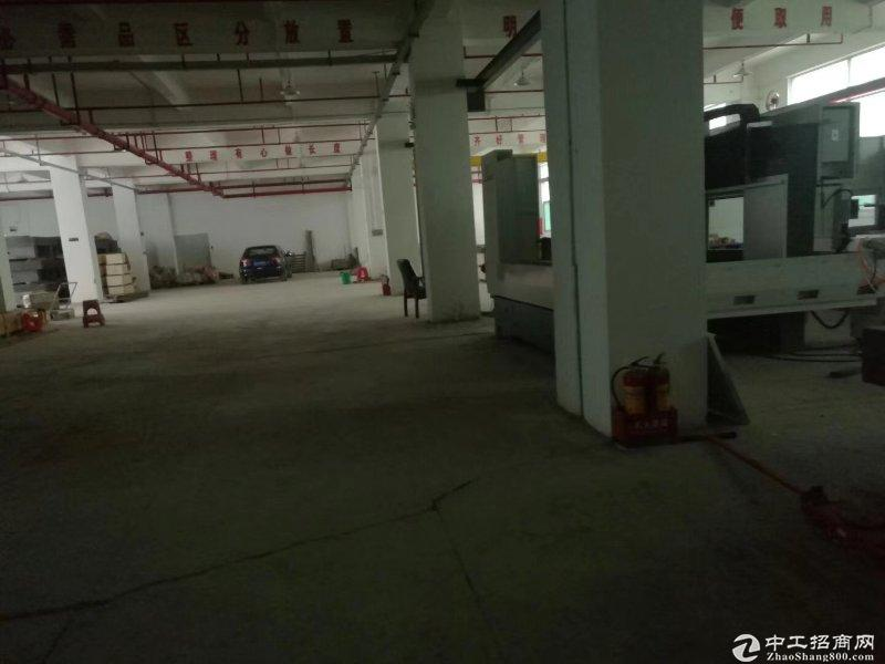 平湖山厦工业区四楼900平方厂房急租