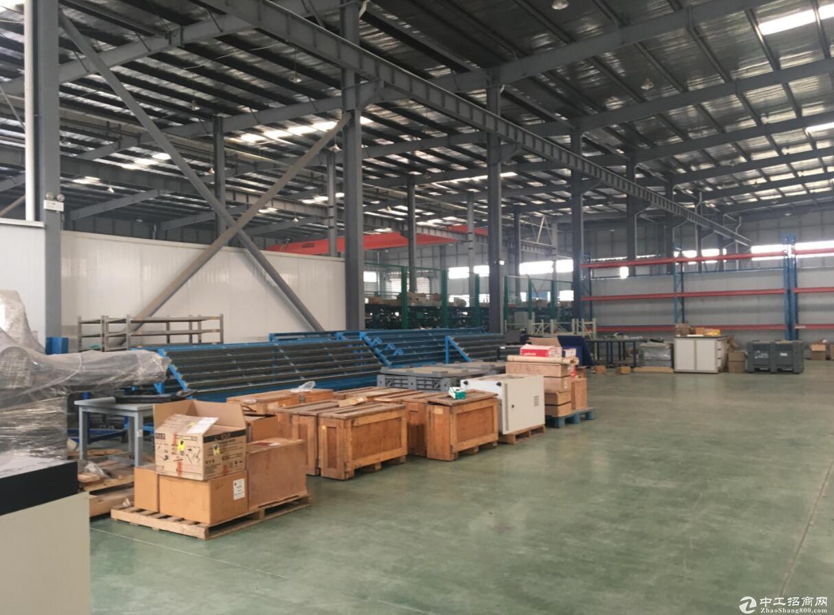 西航港靠近双华路1400平米钢构厂库房出租