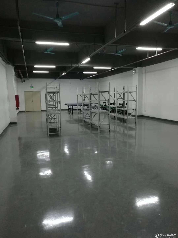 福永和平中心工业区楼上精装修厂房加办公室招租面积整层1500平-图3