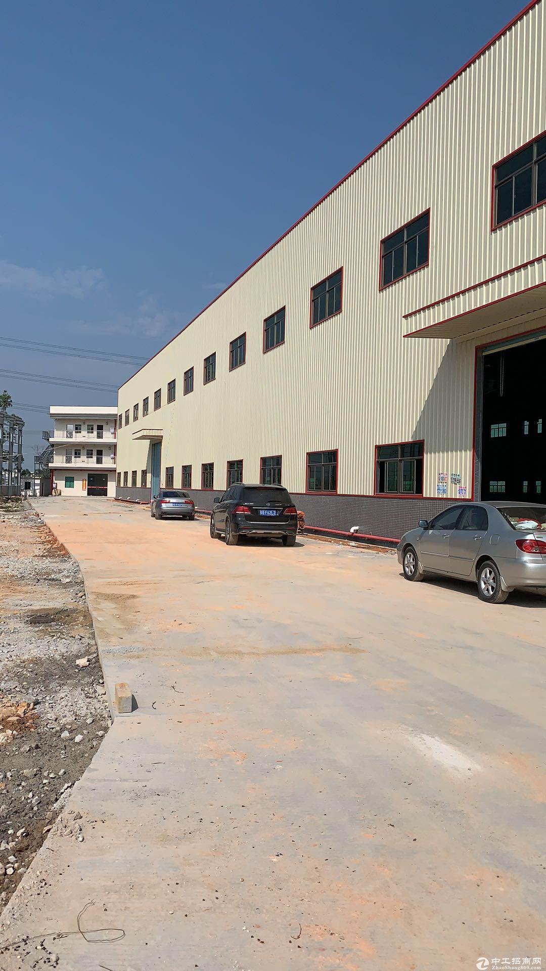 钢构厂房售,48年年限,有独立配套办公楼、宿舍。