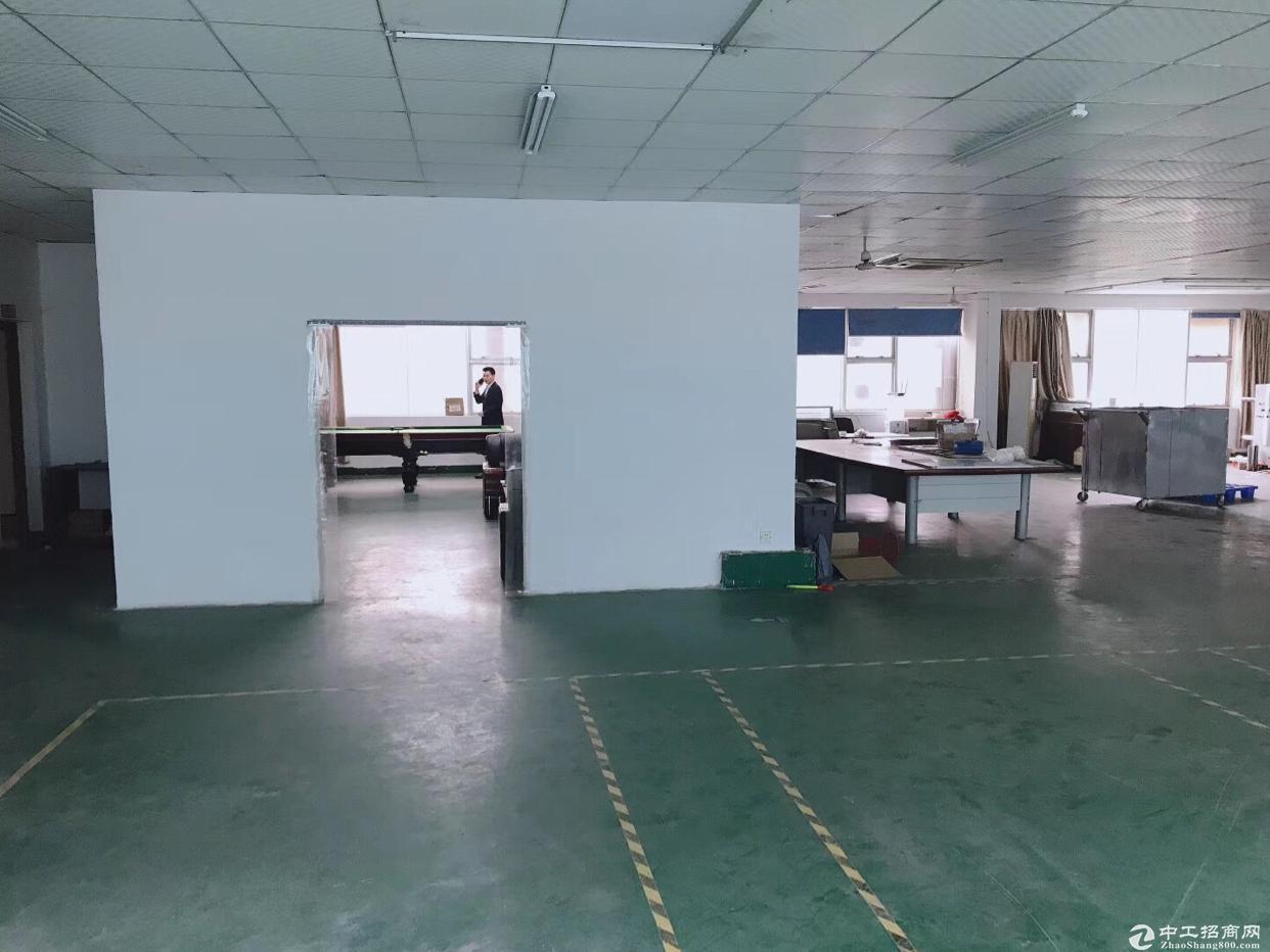 [坪山厂房]坪山原房东工业园2楼1060平米出租