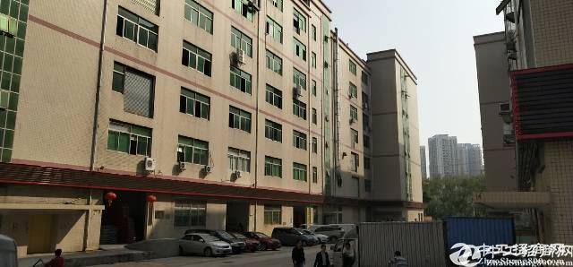 宝安西乡黄麻布工业区3楼厂房1055平方招租