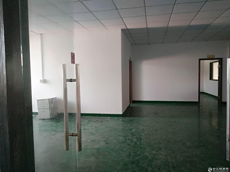 龙岗中心城3公里宝龙工业区1500平电子厂房出租