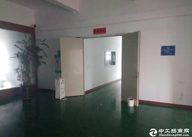 坪山坑梓一楼厂房出租1600平喷淋高6米现成办公室出租