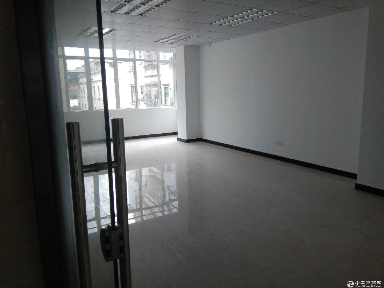沙田镇新出带装修二楼1300平方厂房出租。