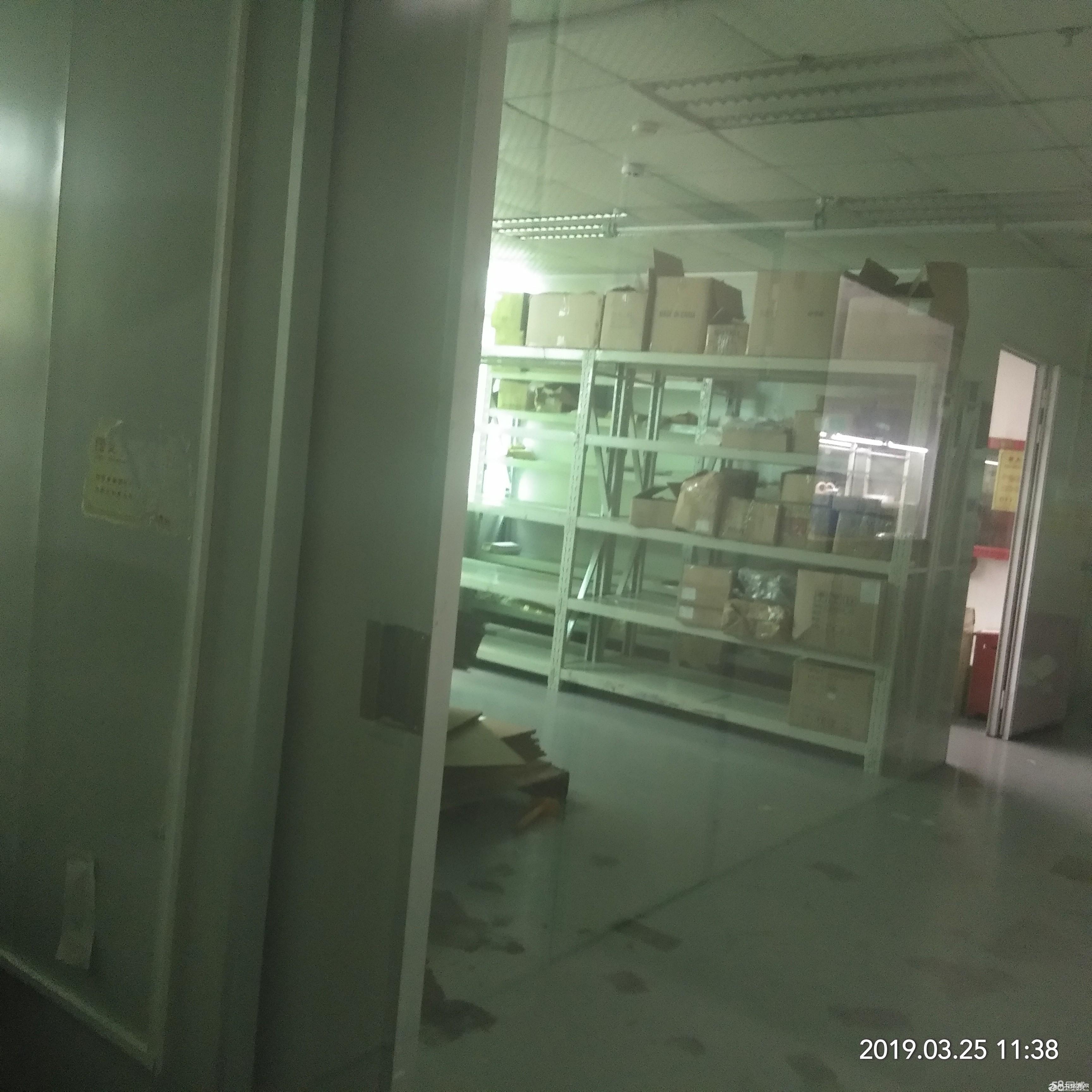 平湖华南城富民工业区2,3楼单层面积2200平方