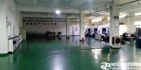 西乡黄田新地塘大厦楼上622平带装修厂房出租