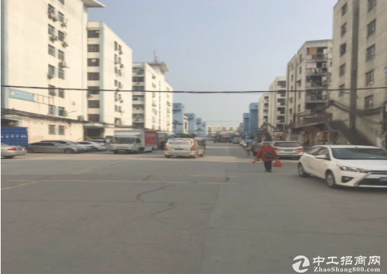 秀峰工业城一楼860平优惠出租
