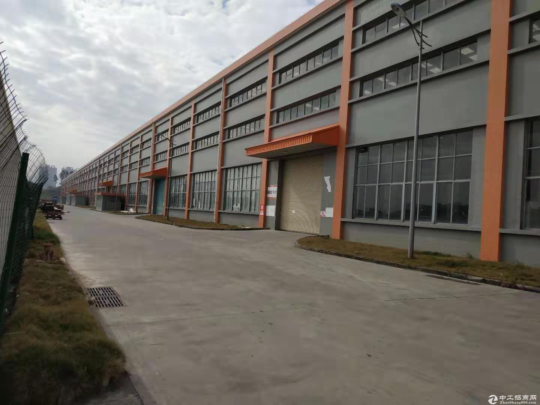 广州新塘高速出口原房东物流仓68855平米出租