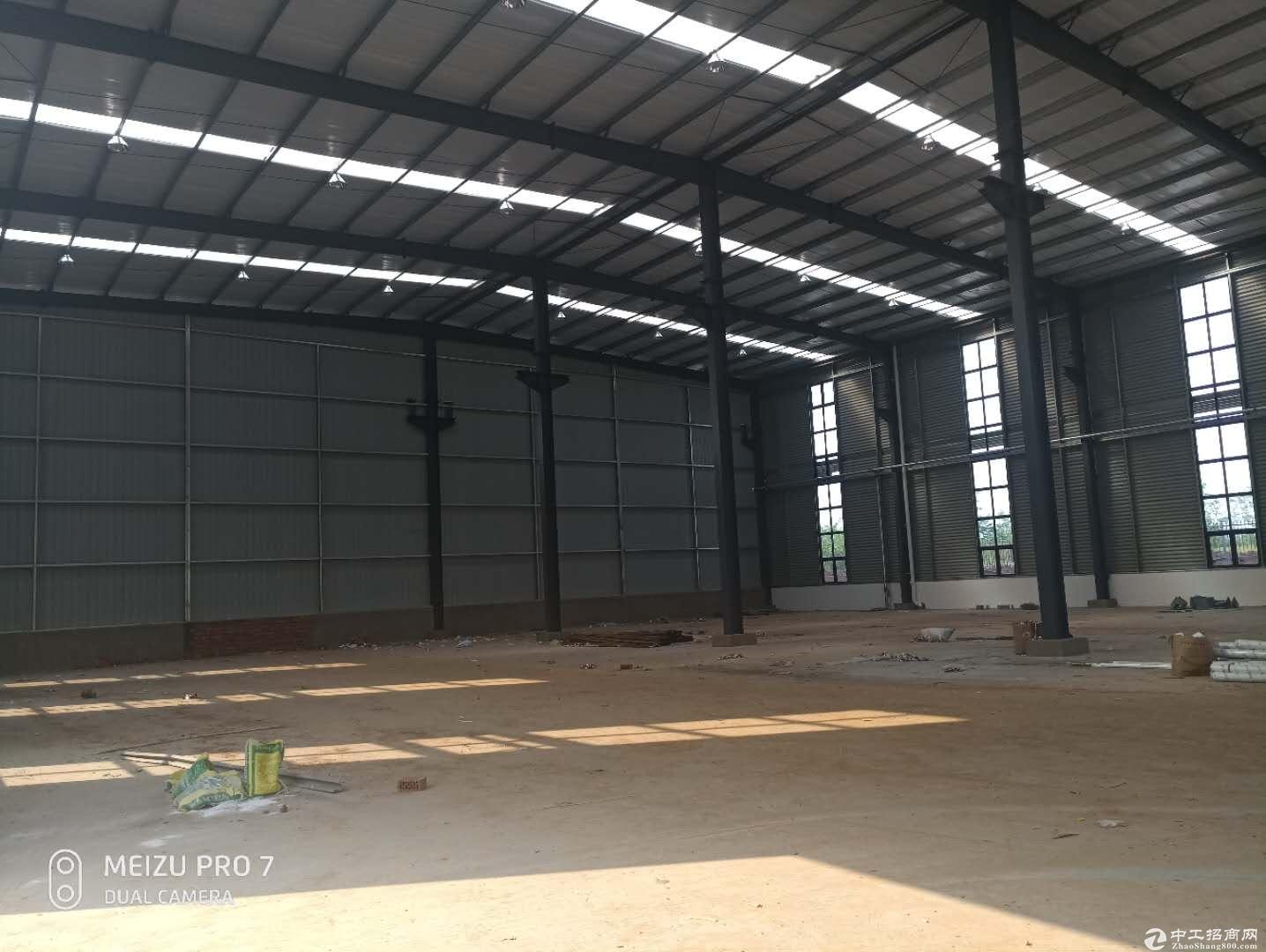 成都龙泉2000平米厂房出租单层钢结构