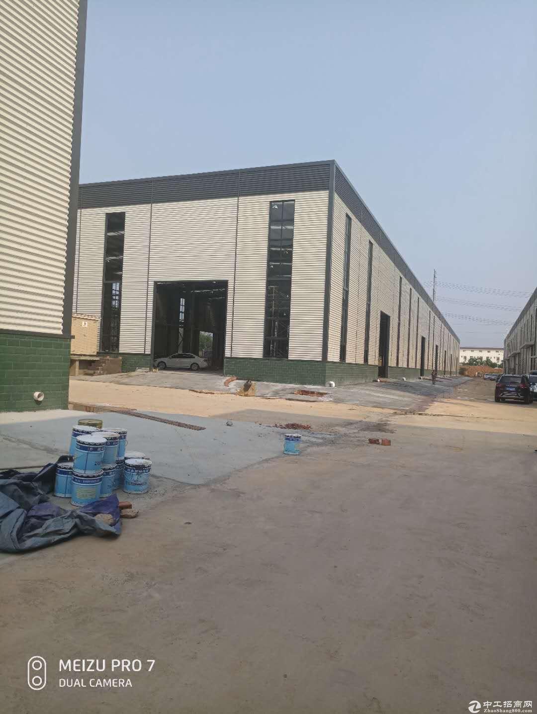 龙泉1100平品质厂房出售带行车园区宽敞