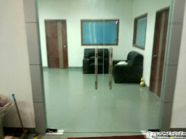 平湖辅城坳工业区独院厂房三楼整层1300平方,业主直租。有现-图2