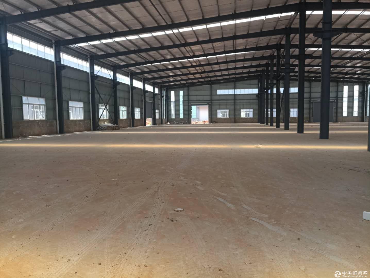 龙泉经开区9000平优质厂房出售可分割