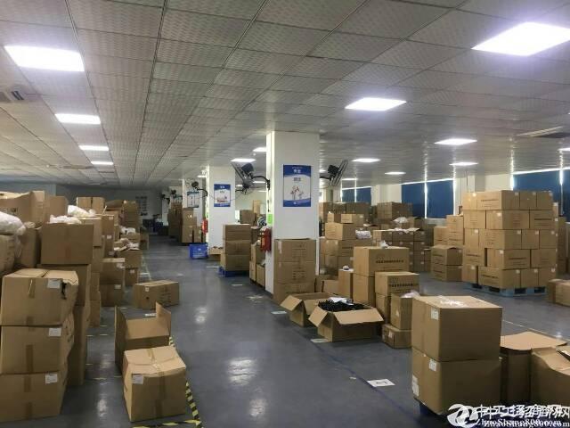 新出!辅城坳工业区新出楼上750平方厂房,招工零压力!