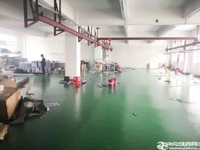 龙岗同乐原房东厂房一楼800平米带行车厂房出租