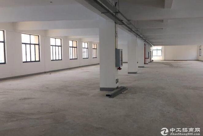 黄陂横店,1楼2楼4200平厂房出售,证件齐全