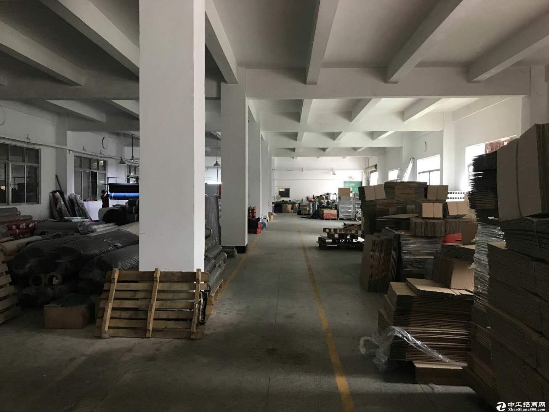坂田杨美地铁站附近一楼1200平精装修厂房出租