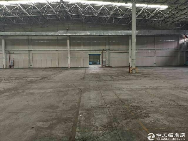 黄埔区开发区带卸货平台5000平米厂房仓库出租可分租,证件齐全