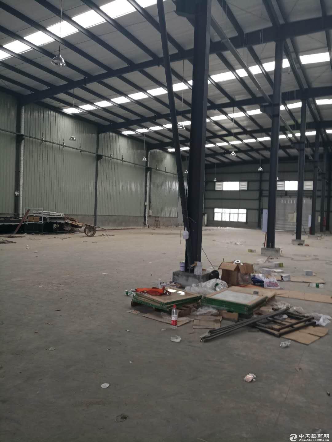 蒲江单层钢结构4000厂房出租带办公室可分租