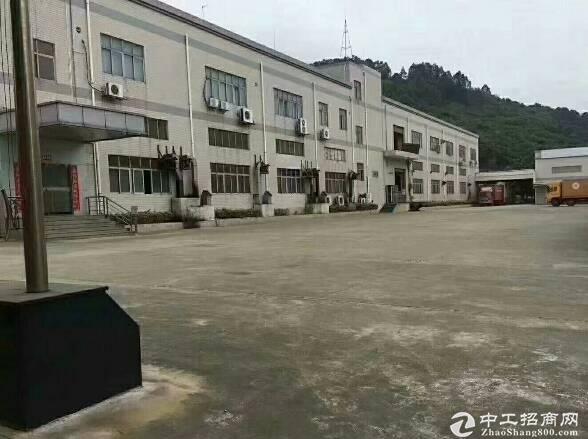 坪山高速口独院8300平方厂房出租,适合仓库办公研发。