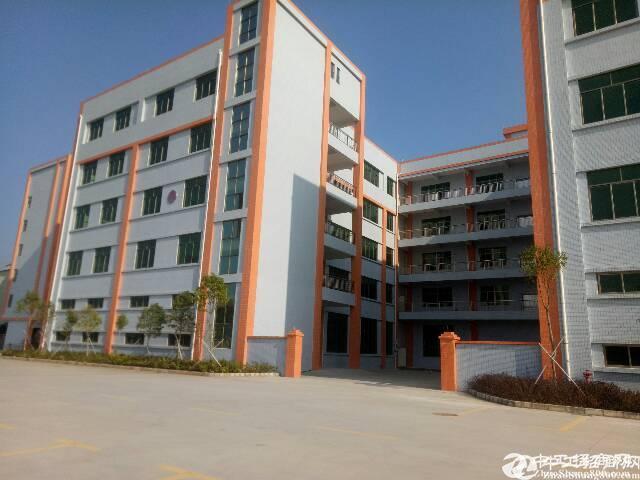 平湖新出二楼一整层原房东厂房1080平米带装修出租