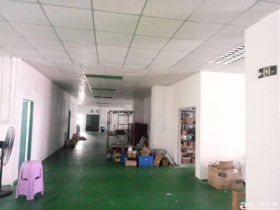 横岗 四联路边现成电子厂厂房1300平米招租