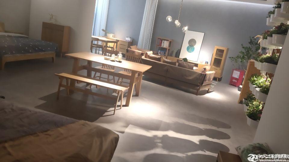 出租坪山大工业区4楼1400平现成家具展厅