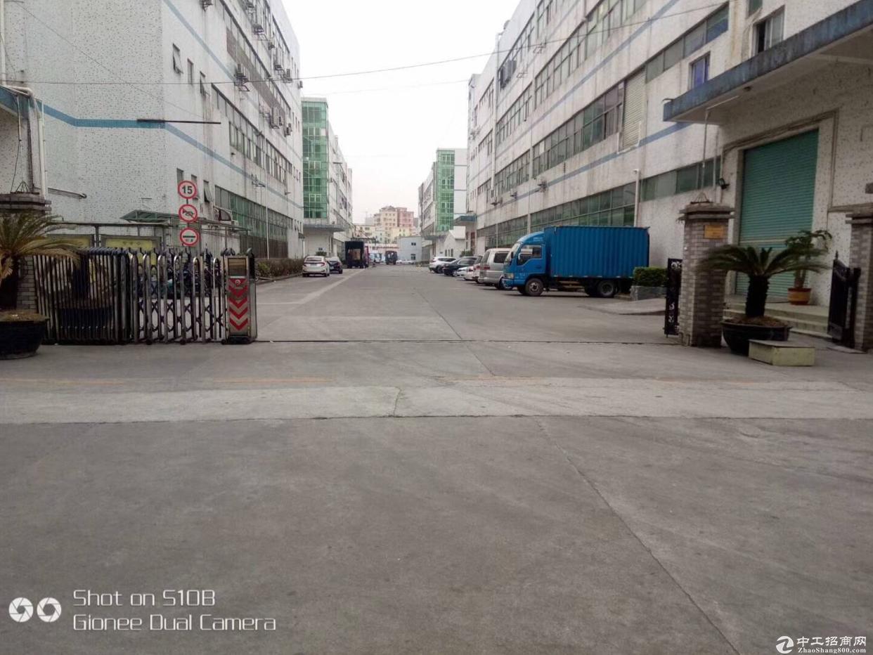 龙华大浪主干道边上新出一二楼共5600平厂房招租