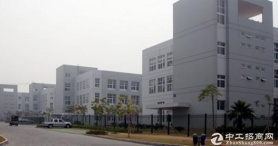 松岗洪桥头兆福达工业区3万平红本厂房仓库出租500起分带装修