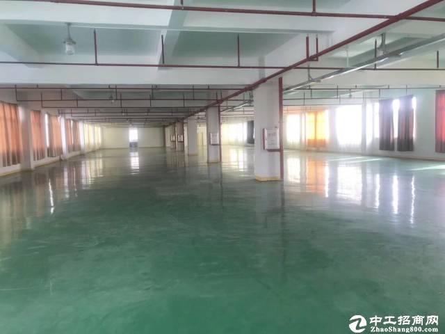 江高镇工业区分租楼上1600平厂房仓库,有地坪漆,证件齐全