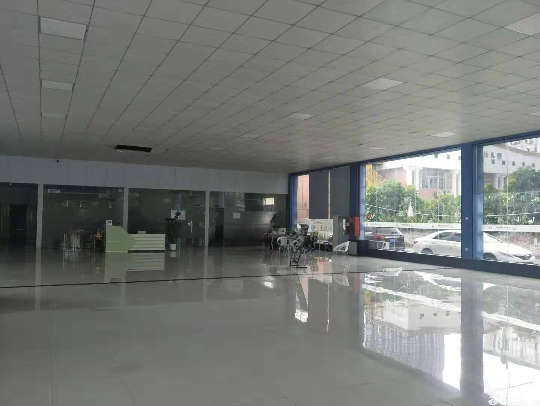 清湖地铁站附近新出一楼2380平方带装修办公室仓库招租