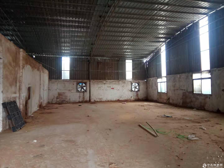 人和秀水村附近独院简易厂房1300方出租