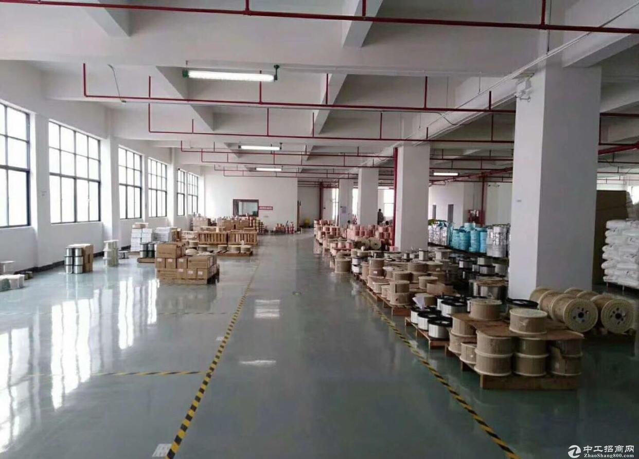 龙岗新生2楼800平米带装修厂房出租,适合电商办公生产